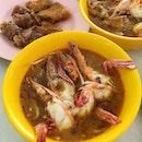 [#scribsnapscrib_singapore]  Saturday prawn mee and my fav fish cake before the big party tonight 🎉  #sgfood #prawnmee #burpple