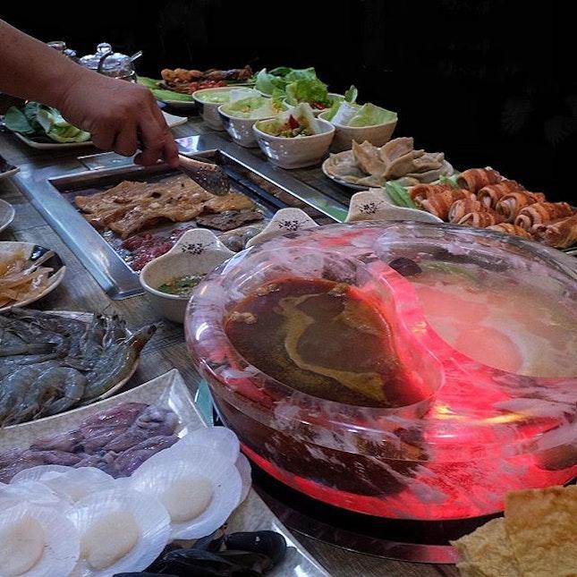 Buffet Lunch Mon-Thu:$13.80+, Fri-Sun:$18.80+ Buffet Dinner Mon-Sun:$18.80+ **No GST charge** .