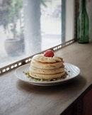 Banana pancake stack .