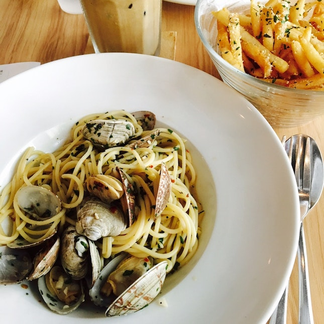 Vongole and Truffle Fries