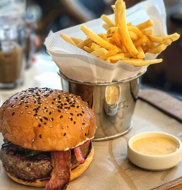 The PS Burger 🍔  a 200g of wagyu patty grilled to medium doneness topped with cheddar cheese, bacon, tomatoes and spinach in between 2 fluffy toasted sesame buns, all it says is EAT ME NOW #yummy