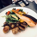 Pan-Seared Norwegian Salmon Fillet ($26.00)