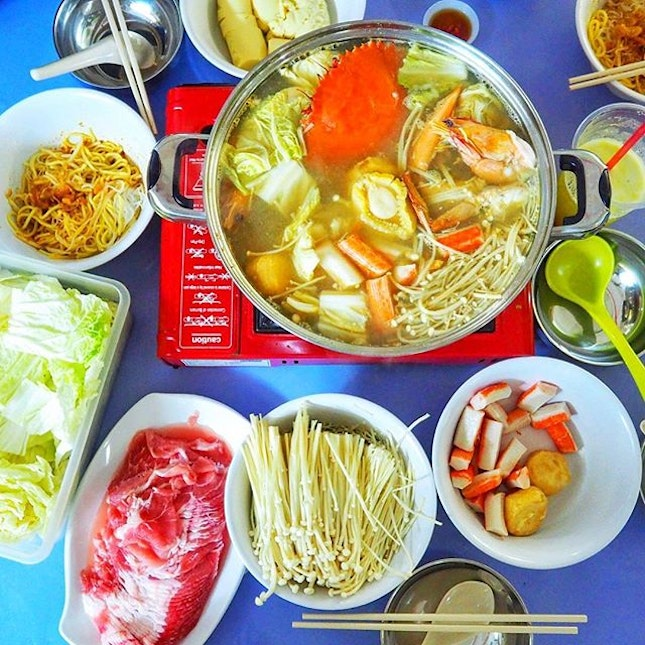Seafood Prawn Mee Steamboat ☻☻☻☻☻☻☻☻☻☻ The stretch of food at Old Airport Food Centre is insane!