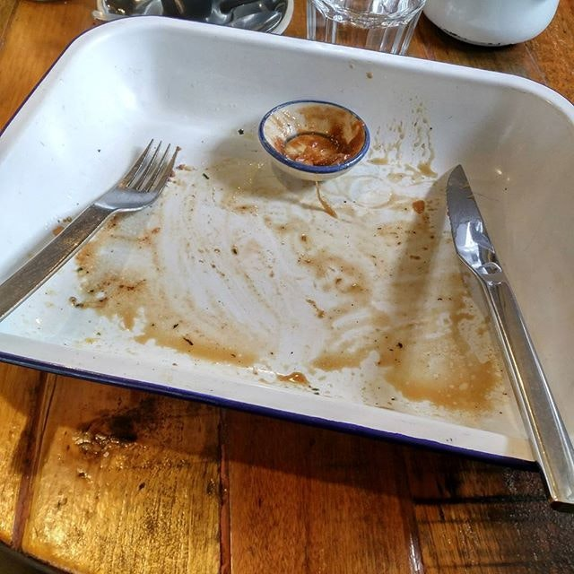 A clean tray means the food is good nom nom nom.