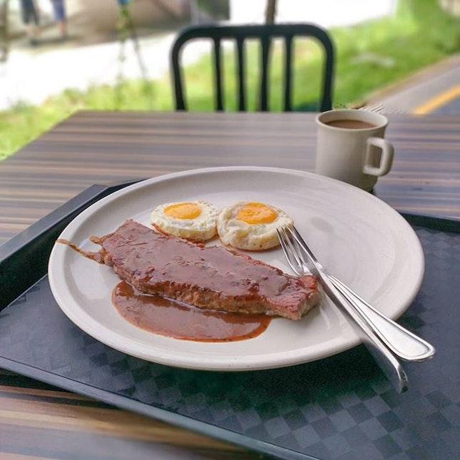 Al fresco #steak and #eggs.