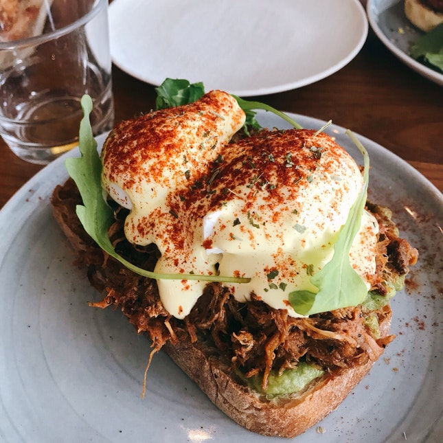 Pulled Pork And Avocado Eggs Benedict