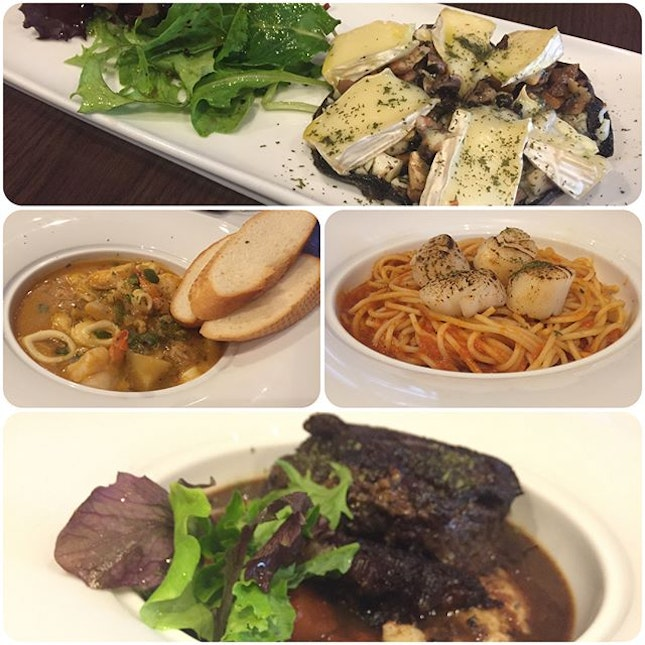 Baked Portobello with Brie Cheese ($16) - Yummy mushrooms but too much garlic that overpowered the light creamy cheese 🍄 Seafood Bouillabaisse with Baguette ($26) - Fresh prawns, squids & fish in tasty soup 🦐 Seared Scallop Pasta ($20) - Delicious spaghetti in tasty tomato sauce 🍝 Crispy Wagyu Beef Cheek ($38) - super love this crispy on the outside, soft & tender on the inside.
