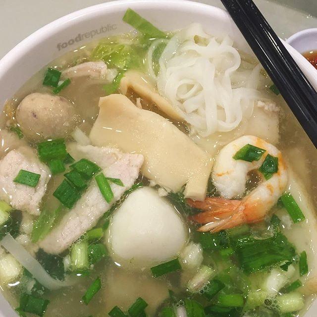 古早面 一品粿条汤 ($6 before 10% discount with PAssion Card) 🍜 A very simple looking bowl of kway teow soup but it was so full of flavour & goodness!