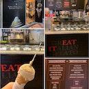 Hazelnut in a cone ($5) served by friendly silver-haired elder 👵🏻