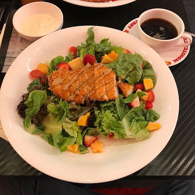Monster curry golden chicken salad in Monster big plate!