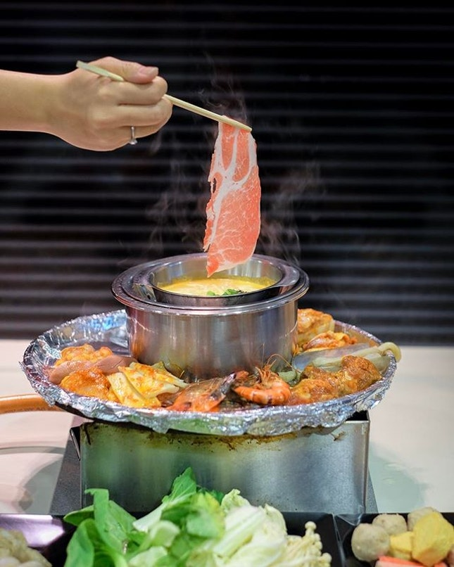 [Mother's Day Giveaway] Two pairs of Premium Seafood Buffet Dinner (Worth $70 each pair) to give away.