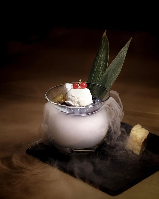 Chilled Blue Pea Lemongrass Jelly with Lime Sorbet and Malay Cake with Salted Egg Custard ($12++, 兰花香茅雪芭拼奶皇马来糕).