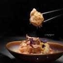 Prawns with Durian Mayo Sauce ($36++, 榴莲美奶滋炸鲜虾莲藕片).