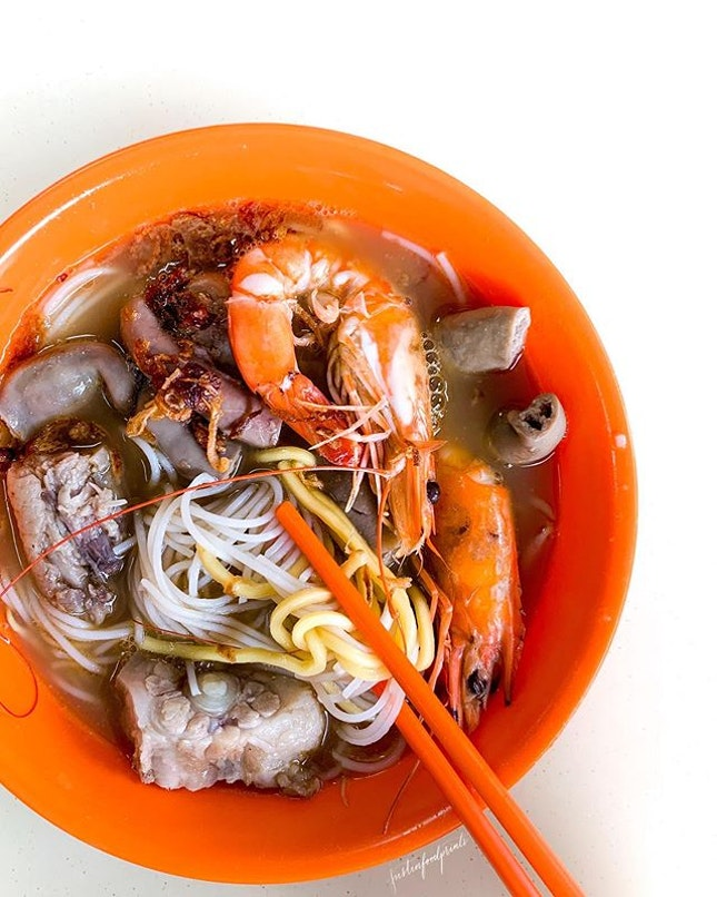 Prawn Noodles with Pork Ribs and Intestines.