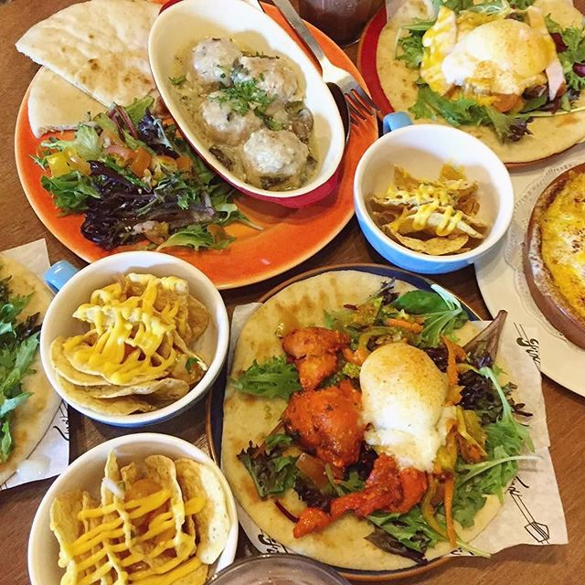 Read more in Ultimate Brunch Guide Singapore edition (#linkinbio)  Naanwich