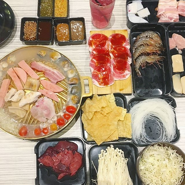 Located in Aeon Tebrau Johore, Approx $19 sgd nett for mookata ala care buffet.