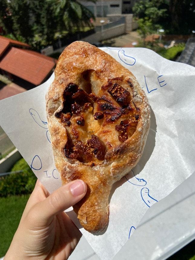 Fig, Blue Cheese & Walnut Sourdough ($5)