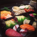 Affordable #octopus #scallops #tuna #sushi #salmon #sake #soba set at #umisushi at just $14.80 #japanese #instafood #foodie