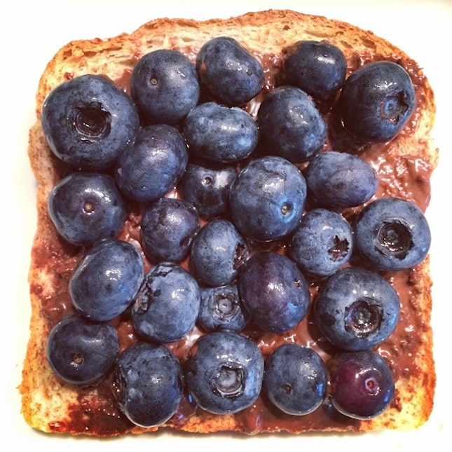 It's four days to next Monday blues, but it's a good time for a #blueberry #ovomaltine #toast this cool day.