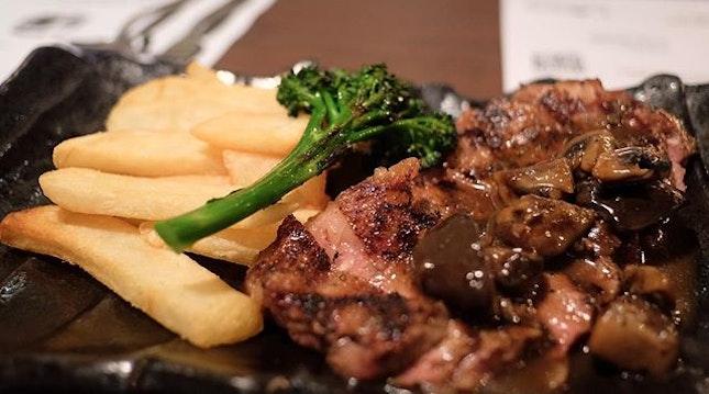 @tessbarsg , yes, @tessbarsg has got wonderful lunch grub.