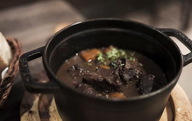 The Beef Bourguignon from this hidden French bistro near the Ban Thanh market (Ho Chi Minh City) is very yummy with its flavourful and full bodied red wine broth and tender beef cubes and fresh and sweet carrots.