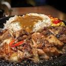 🍛 Cheesy Chicken Curry Rice SGD 12.90 Nett.