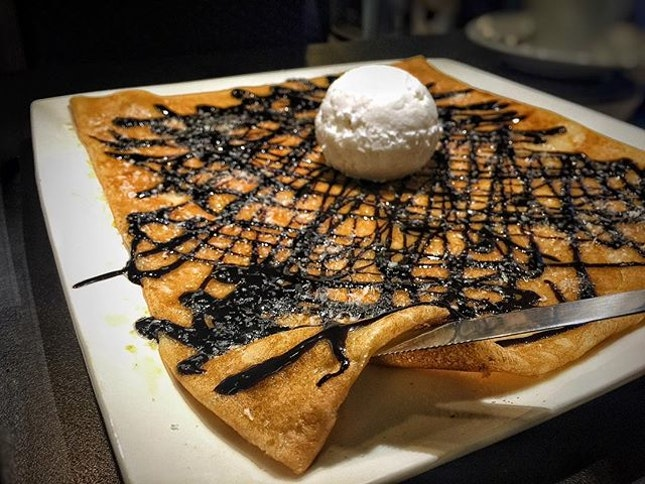 🇫🇷 Faustine's Favourite SGD 14.90 +10% French Sweet Crepe topped with chocolate sauce and a single scoop of coconut sherbet.