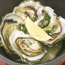 Steamed Fanny Bay Oysters in Sake - these Canadian oysters are known for its fleshiness.