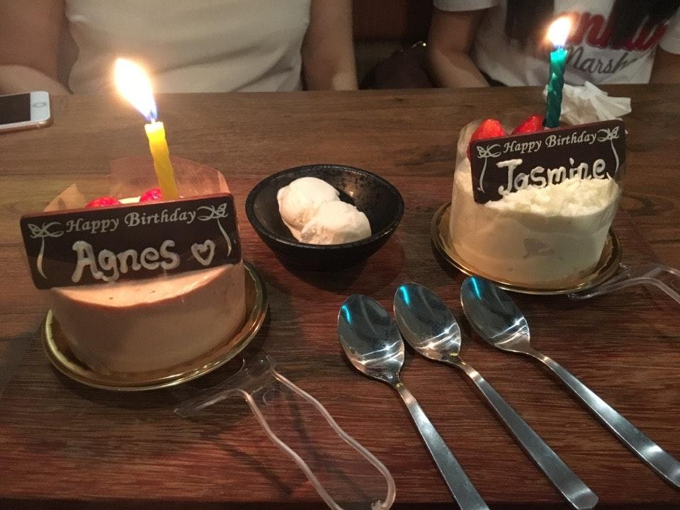 Japanese Vanilla & Strawberry Cakes