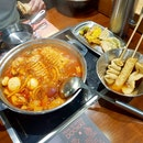 Tteokbokki Buffet X DIY Kimchi Fried Rice
