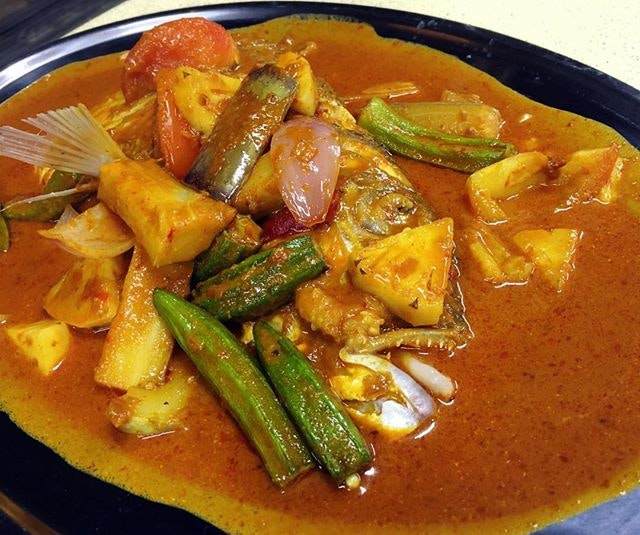 A classic Tze Char dish, popular either the Assam or curry way.