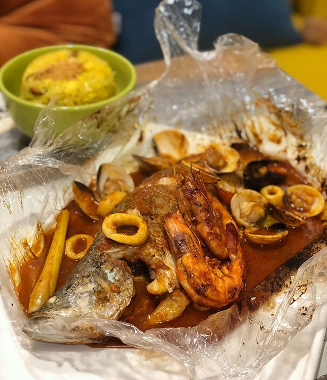 Like a seafood bag, this Cartafata of theirs had a touch of Asian flavour with lemongrass in the seafood sauce that was rich and tasty.