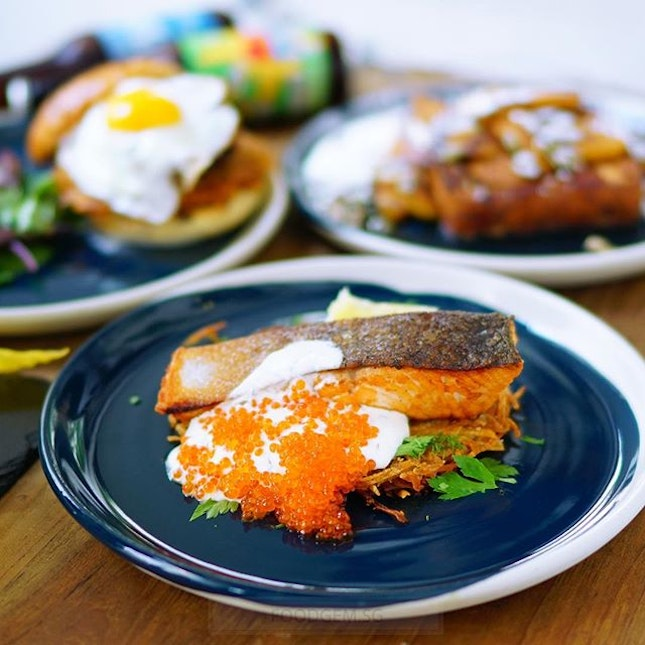 Like this combination - Rosti + Salmon + Salmon roes.