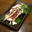 Nicely charcoal grilled squid with a little extra salt and pepper.