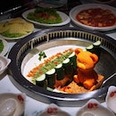Are you the adventurous or the traditional hotpot foodie?