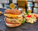 The Butcher's Kitchen and Seriously Keto have collaborated and launch the first-ever keto-compliant gourmet burgers in Singapore.