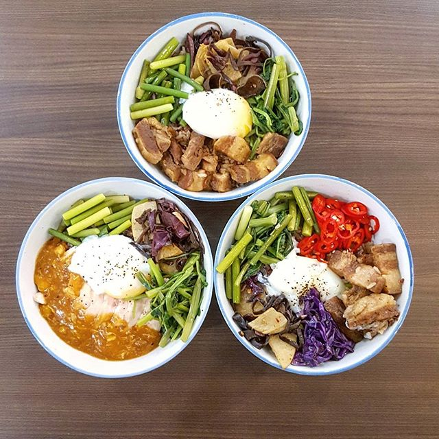 Lunch situation @tastystreetsg * Thanks Edward for hosting * #tastystreetsg #tasty #starvingfoodseeker #burpple #hungrysquad #foodstarz #videomasak #phaat #foodbossindia #losangeleseats #eatingnyc #damien_tc #singaporeinsiders #thisisinsiderfood #jktfoodbang #exploreflavours #asiafoodporn #feedthepanda #foodie #dailyfoodfeed #thisisinsider #thisisinsiderfood