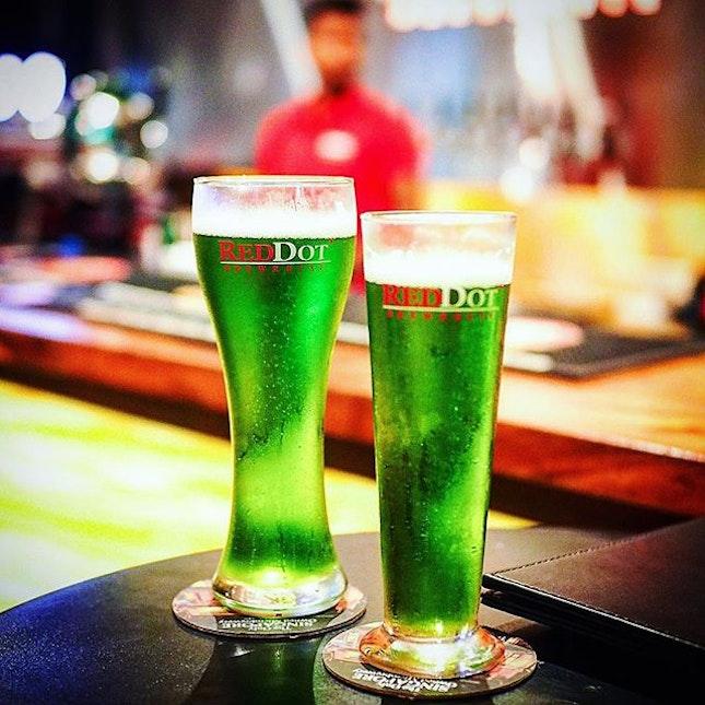Monster Green B E E R 🍺 Green = Healthy hor 🤭 .