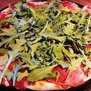 The classic parma ham and rocket leaves - woodfire pizza from modestos #jayellesays #sgeats #burrple #burrplesg #instafoodie #setheats #foodgram #pizza #parmaham #rocketleaves #yummy #delish #carbs #carbsoverload #weekend #fatdieme #modesto #italian #woodfiredpizza