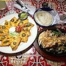 #foodporn #foodhunter #foodlover #foodpic #food #sgfoodiary #foodie #burpple #delicious #foodgasm #sgmakandiary #foodhunt #foodstagram #foodpics #foodphotography #instafood #sgfood #singaporefood #sgfoodies #foodspotting #foodisfuel #foodshare #foodstyling #nachos #chillis #guacamole #cheese #chicken #beef #americanstyle #burpple