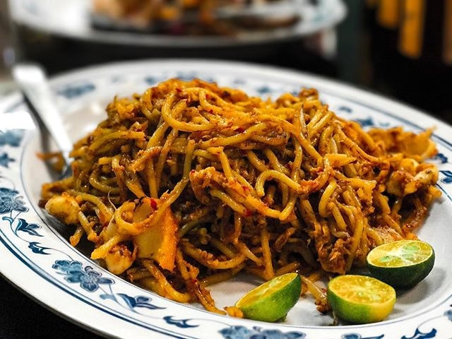 New Ubin Seafood @newubinseafood - Cze Char Craft Beer Brunch - (💵S$55++/pax) - Noodles - Old Punggol Style Mee Goreng (💵S$10/Small, S$18/Large) 🍝 • ACAMASEATS & TIPS💮: The Wok Hei here ain't that strong as anticipated.