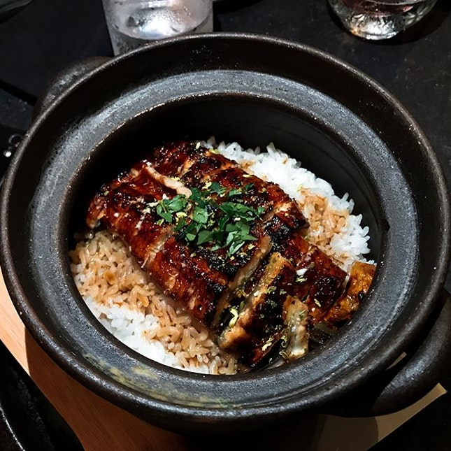 Jinjo @jinjosg - HOSTED TASTING - 💮  Unagi Donabe Japanese Rice Pot (💵S$35/S$55)  Always a reliable option at any respectable Japanese institution, those who got it wrong like that Green Sakae Frog, should just commit seppuku or harakiri.