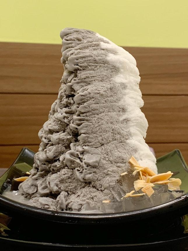 Black Sesame And Almond Snow Ice ($6.50)