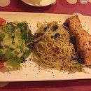 Spaghetti Alio Olio Salmon