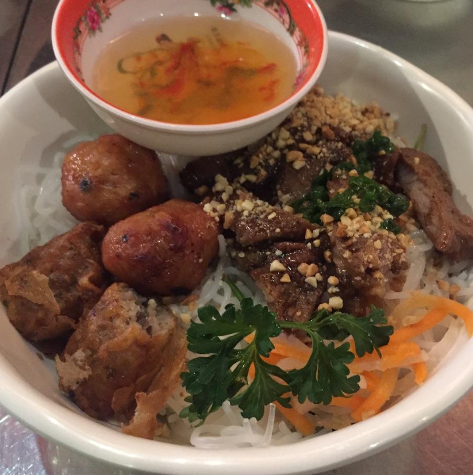 Bun Thit Nuong Cha Gio ($10)
