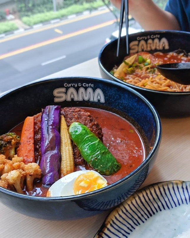 🍽: Moo Moo Hamburg and Special Soup Curry Ramen • Price: $16.90 & 15.90 • 🚇: Tanjong pagar 📍:6A Shenton Way, OUE Downtown Gallery, #03-26 • Located in a quiet corner of the tower, SAMA curry brings Hokkaido style curry into the heartlands of Singapore.