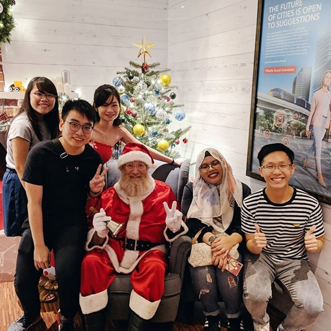 🗽🎅🏻Merry Christmas 🎄🦌 Celebrated our 3rd Xmas at PS Cafe  To many more celebrations ahead 🍻  We ordered the following: ▪️PS Truffle Shoestring fries ($15++) ▪️PS Turkey Cranberry Sandwiches ($25++) ▪️Chargrilled Portobello ($26++) ▪️Chicken Schnitzel ($25++) ▪️PS Crispy Onion Burger ($29++) ▪️Farmer Beef Stew ($28++) .