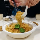 Stewed Taiwanese Rice Vermicelli with Conpoy and Crab Meat