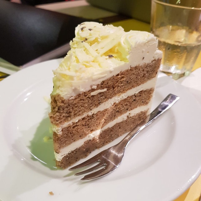 Earl Grey Lavander Cake $7.90++