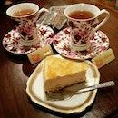 柚子ケーキとアールグレイ😋🍰🍵 2016.6.4(金) * Yuzu cake & Earl Grey tea✨🎶 * #シンガポール #カフェ #カフェ巡り #カフェ部 #おしゃれカフェ #喫茶店 #人気 #人気店 #大好き #しあわせ #グルメ #スイーツ #絶品 #柚子ケーキ #アールグレイ #咖啡廳 #咖啡館 #Singapore #cafe #cafehopping #cafehoppingsg #sgcafe #EastManhattan #yuzucake #earlgreytea #burpple